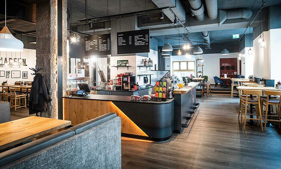 SB - Restaurant Einrichtung - Liebhaberei Linz, Cafe Bar - ID-Werkstatt, Gastroeinrichtung aus Österreich