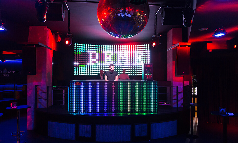 remembar linz, dj pult, led wall, discokugel, disco einrichtung, dj club linz