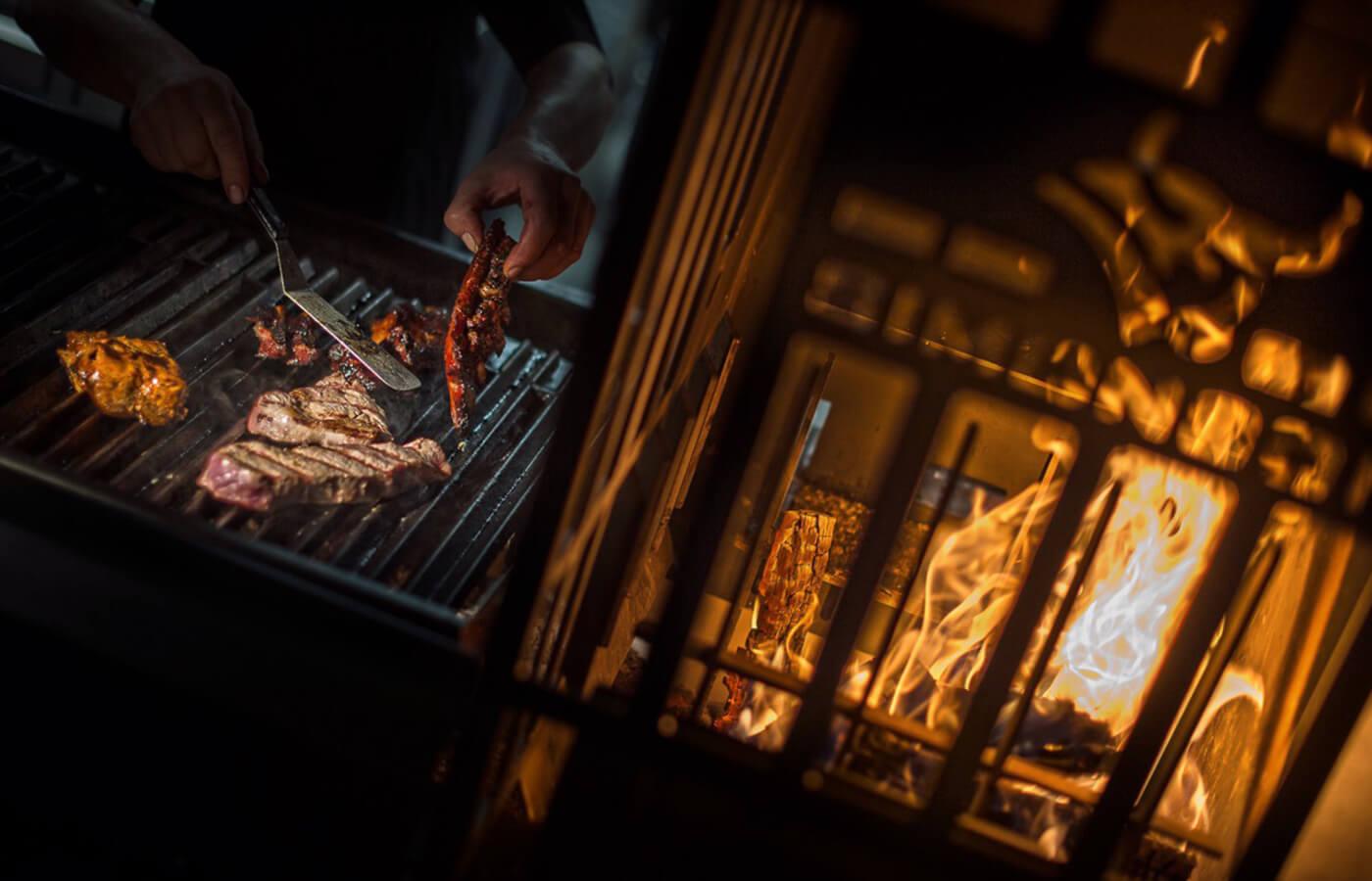 roasthaus niederndorf, gastro einrichtung, offener grill, gastro grillen, offenes feuer, grillen