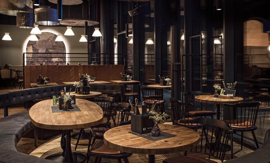 roasthaus niederndorf, sitzbereich, gastroeinrichtung, lichtdesign, rustikale einrichtung