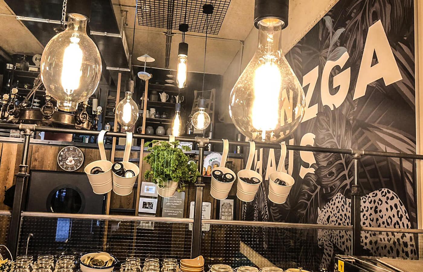 zwanzger leoben, bistro einrichtung, gastromöbel, licht design, lichtkonzept, gastro decoration